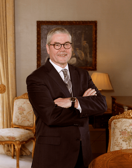 Portrait image of Mr Anthony Howard AM QC